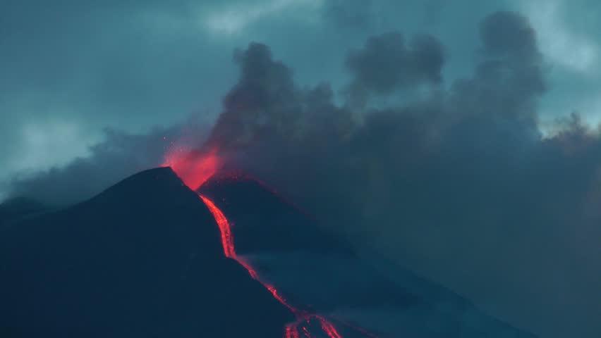 Lava fountain at sunset (Etna eruption)