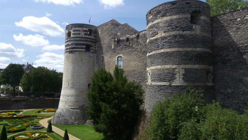 Chateau Dangers Angers France This Medieval Castle In The Loire Valley Has 10 Foot Thick Walls And 17 Towers Making This A Very Impressive Site