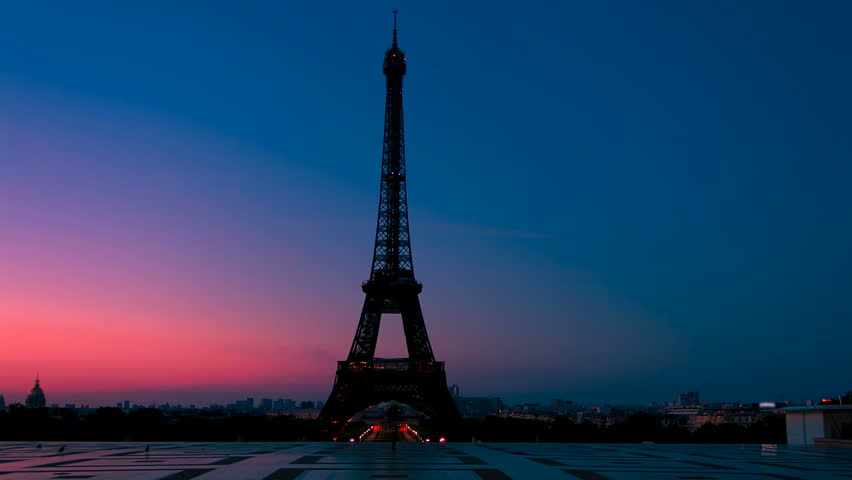 Time lapse video of the Eiffel Tower in Paris at dawn