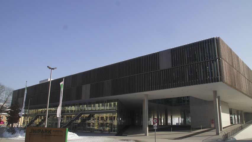 Unipark Salzburg University   Paris Lodron Universitt Salzburg   Vertical  Pan   Establishing Shot   HD